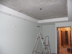 Разметка уровня натяжного потолка