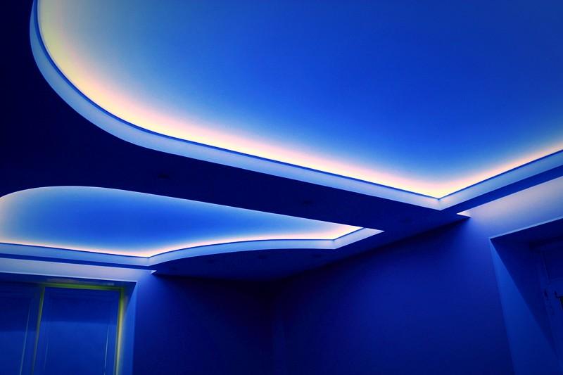 led потолок натяжной